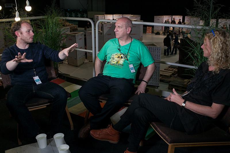 L-R Kevin Flanagan, Michel Bauwens, Vivian Paulissen at IdeaCamp 2015. Image by Julio Albarrán